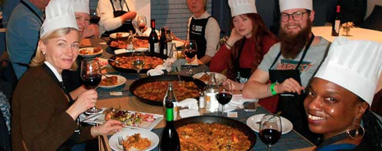 Paella Master Class and Historical Guided Tour in Valencia